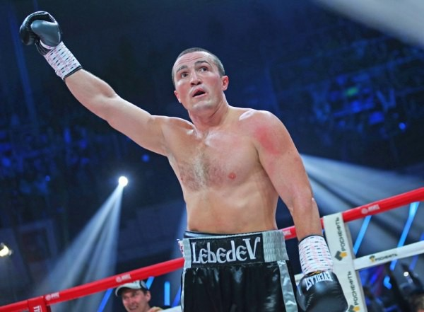 Денис Лебедев побеждает нокаутом
