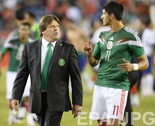 Алан Пулидо (справа)