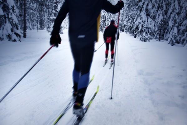Как научиться быстро бегать на лыжах