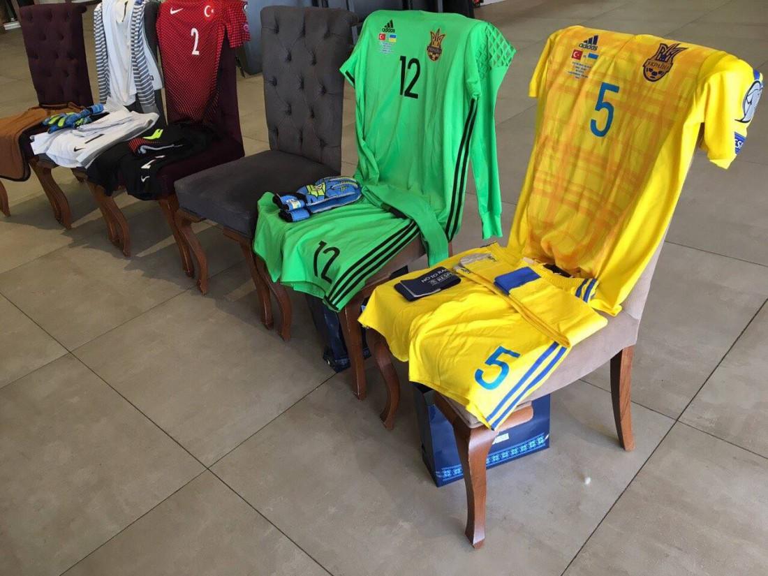Формы сборной Украины и Турции