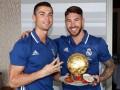Игроки Реала подарили Роналду торт в виде Золотого мяча
