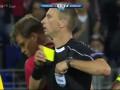 Украинский судья перепутал красную и желтую карточку в матче Лиги Европы