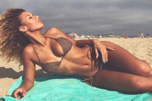 Красотка пятницы: сексуальная модель, которая соблазнила игрока Манчестер Юнайтед