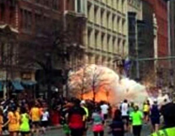 На марафоне в Бостоне произошли взрывы