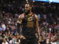 Эффектный блок-шот ЛеБрона – среди лучших моментов дня в НБА