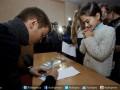 Капитан Днепра перед Новым годом сходил в гости к детям (ФОТО)
