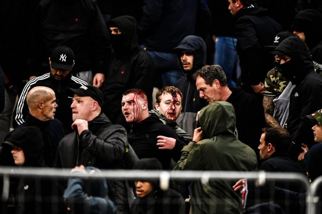 Фанаты Аякса пострадали в Греции