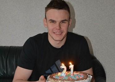 Максиму Ковалю исполнился 21 год