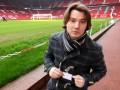 Как работает комментатор на трибунах стадиона в Манчестере