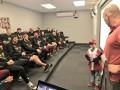 Болеющий лейкемией мальчик на одну игру стал помощником тренера Аризоны