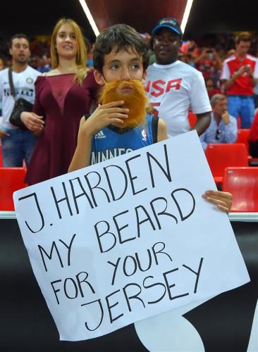 Болельщики знают Джеймса Хардена благодаря бороде