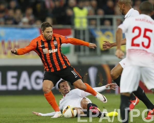 Марлос в полуфинальном матче против Севильи