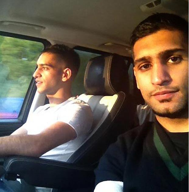 Боксеры. Амир Хан (справа) и его брат Харун