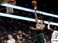 НБА: мощные данки Уолла и Адетокумбо – среди лучших моментов дня