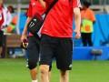 Защитник сборной Германии сделал смешное селфи прямо на поле (фото)