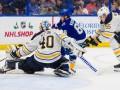 НХЛ: Тампа с трудом одолела Баффало, Нэшвилл разгромно проиграл Аризоне