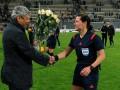 Луческу подарил арбитру цветы после проигранного матча