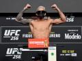 Фергюсон проиграл Оливейре единогласным решением судей на UFC 256