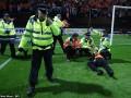 В Англии после футбольного матча полицейский на лошади задавил стюарда (ФОТО, ВИДЕО)