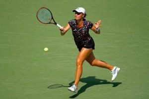 Калинина на отказе соперницы пробилась в полуфинал в Сучжоу