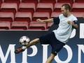 Барселона не пускает Иньесту в сборную