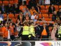 В Англии фанаты покинули стадион посреди матча в знак протеста