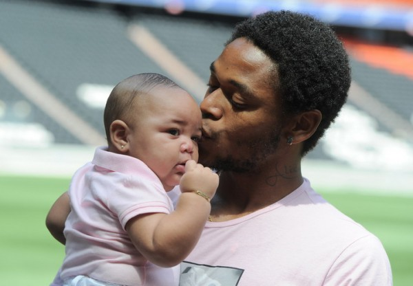 Луис Адриано с дочкой