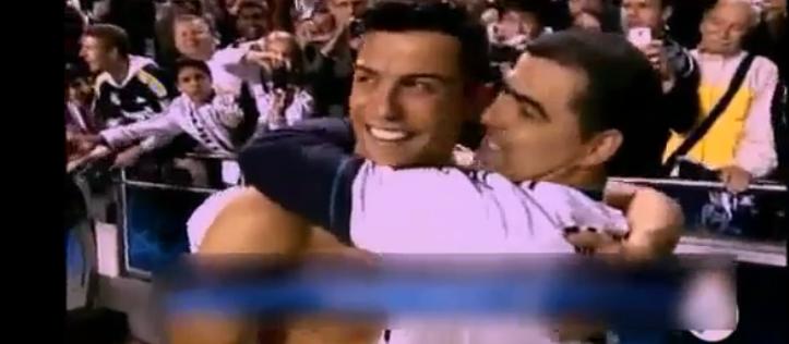 Криштиану Роналду обнимает своего брата после победы в Лиге чемпионов