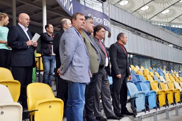 Игорь Жданов с руководством НСК Олимпийский